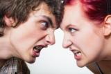 Beziehungsprobleme: Wie du beim Streit die Hosen anbehälst